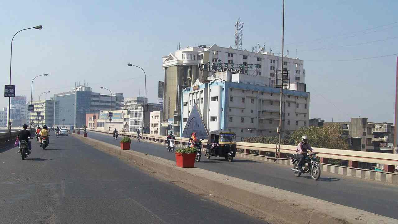 Surat | The coastal city which processes most of the diamond trade in India stands at fifth in the ranking. Surat has shown the best improvement in score vis-à-vis last year. As per the ASICS 2017, the city has shown improvement in own revenue and per-capita capital expenditure and has gained a significant autonomy over municipal budget.
