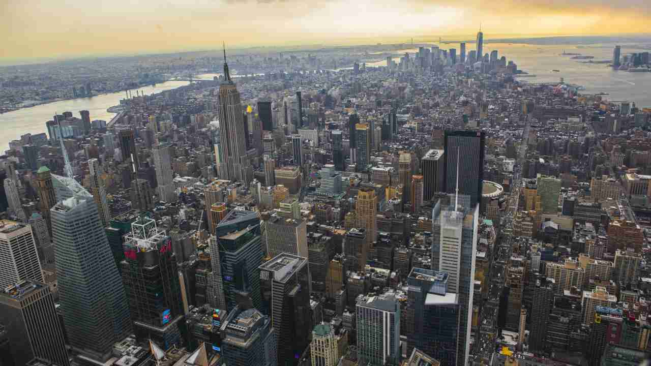 9 New York, US | This is the only American city to make it to the top 10; several cities in the United States climbed up in their rankings over the dollar's strength. (Image: Reuters)