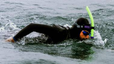 Frenchman begins swim across Pacific Ocean to raise awareness about plastic pollution