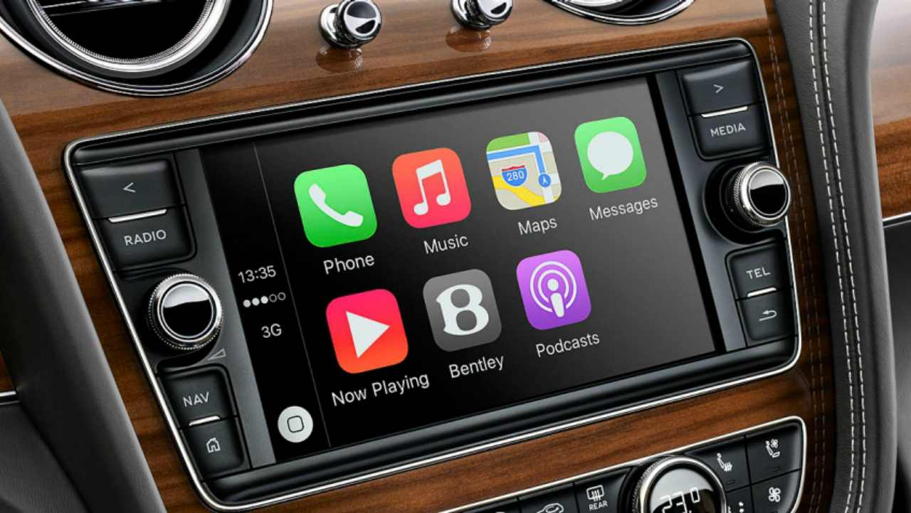 """Inside the cabin, the five-seater SUV includes 8"""" Touch-Screen Infotainment with 60GB HDD, Navigation, Voice Control with Text-to-Speech, AMI, CD, MP3, SD cards, audio system with 10 speakers."""