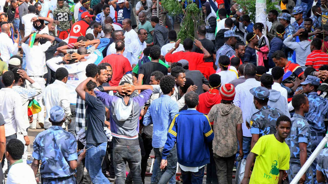 Ethiopians react after an explosion during a rally in support of the new Prime Minister Abiy Ahmed in Addis Ababa, Ethiopia. (Photo: Reuters)