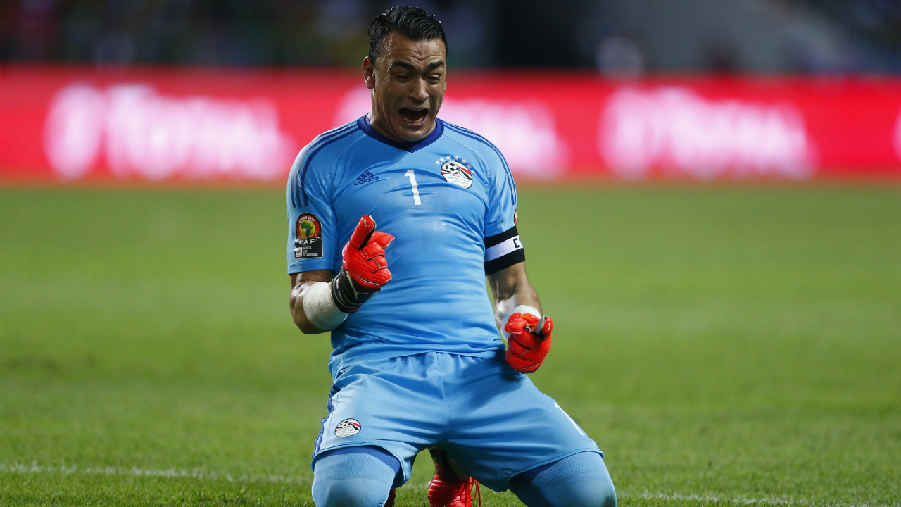 Oldest player to play in a World Cup | Egypt's goalkeeper Essam El-Hadary is all set to surpass Colombian keeper Faryd Mondragon as the oldest player to play in a World Cup. When Mondragon took the field in Brazil 2014, he was 43 years and three days old. El-Hadary who also captains the side, will be 45 years and five months old when 'The Pharoahs' take the field in Russia.