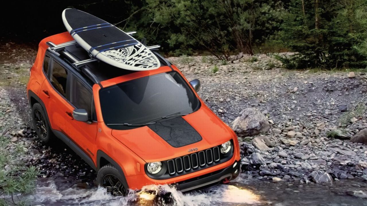 Thanks to the high road clearance, the Renegade gets aggressive approach and departure angles. (Image: Jeep)