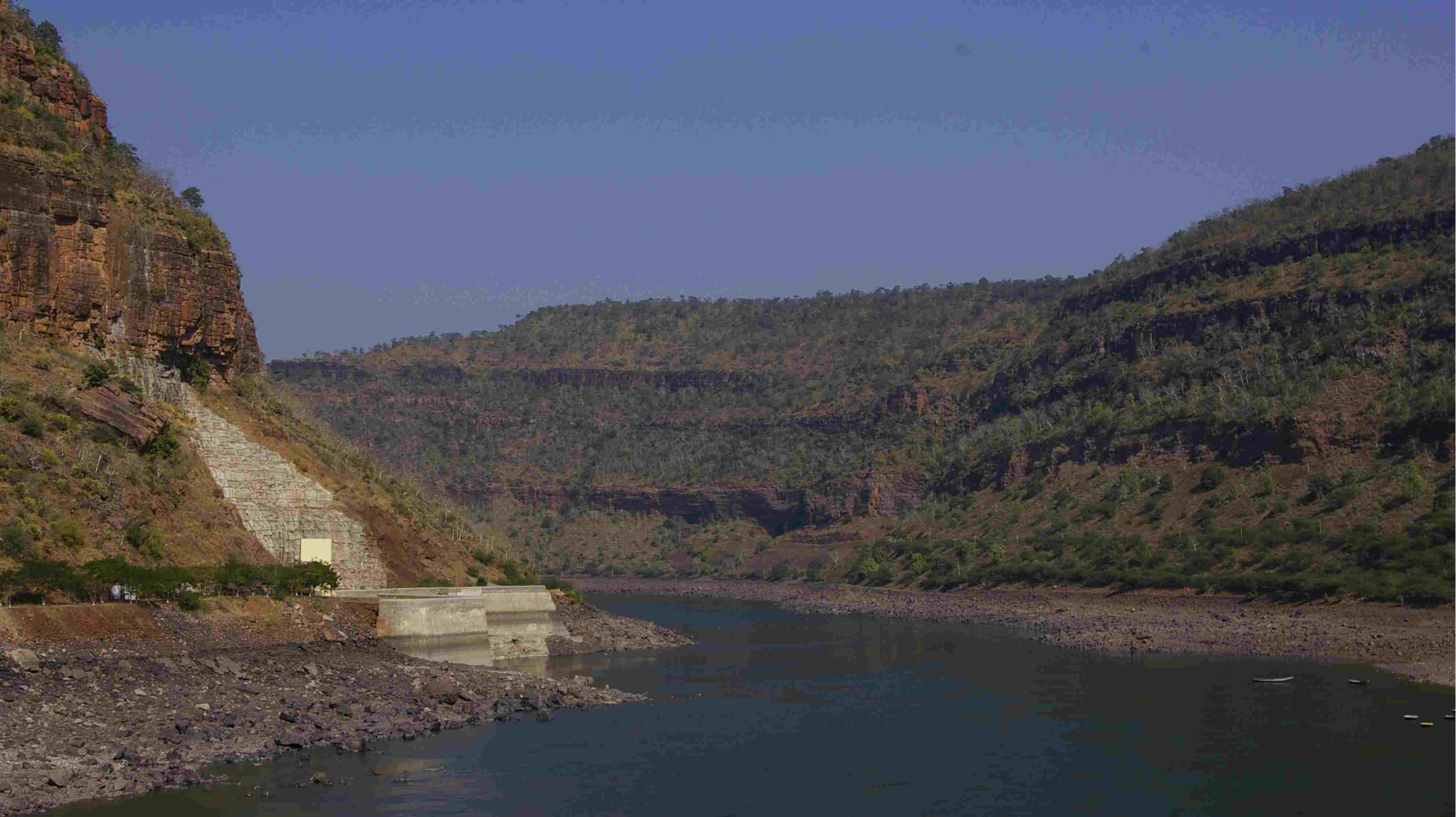 "Andhra Pradesh | Score: 68 | One of the three states which received a ""high"" score and ranks third in the ranking, according to the NITI Aayog's report. The coastal state has also witnessed drought in recent years. (Krishna River Gorge by Srisailam, Andhra Pradesh; Wikimedia Commons)"