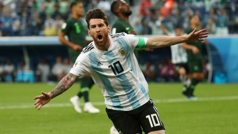 2cdb2557787 FIFA World Cup 2018  Messi scores as Argentina beat Nigeria 2-1 ...