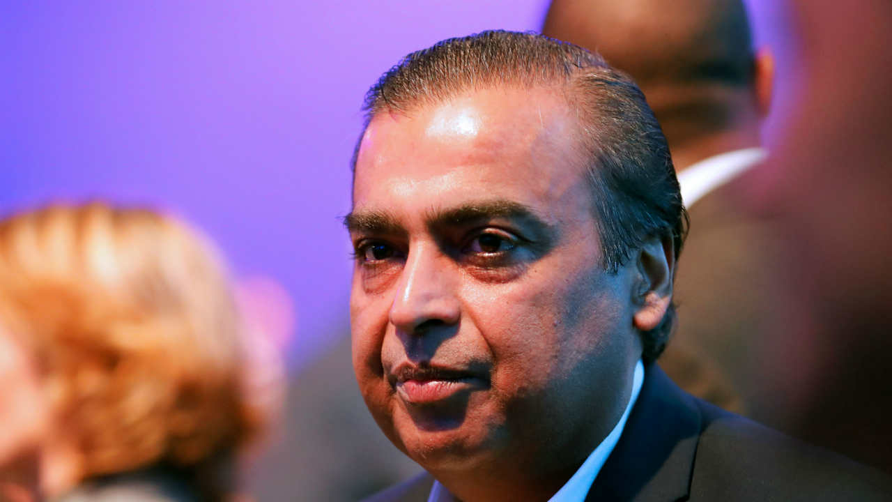 7. Ambanis, Reliance Industries | $43.4 billion: Dhirubhai Ambani started building the business empire in 1957. The conglomerate, founded in 1977, is now run by his son Mukesh Ambani. The conglomerate has interests in petroleum, natural gas, petrochemicals, retail and more recently telecom, among other fields. (Image: Reuters)
