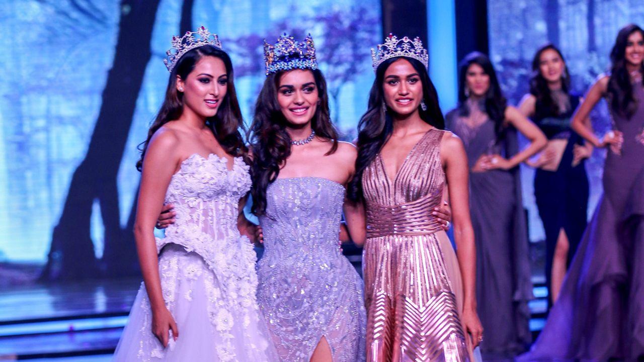Miss India 2017 Manushi Chillar (C) flanked by Miss United Continents 2017 Sana Dua (L) and Miss Intercontinental 2017 Priyanka Kumari during Miss India 2018 pageant in Mumbai. (Image: PTI)