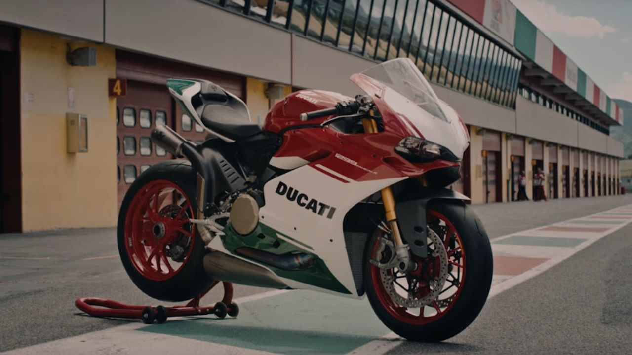 Ducati 1299 Panigale Final Edition | Price: Rs 51.82 lakh | This Italian beauty ranks third on the list but does not lose out on style quotient. A 1285 cc engine pumping 209.4 horsepower at 11,000 mind-blowing revs does little to shake its elegance. What makes this bike more special is that it is the last production model for Ducati twin cylinder motorcycles. (Image: Ducati India website)