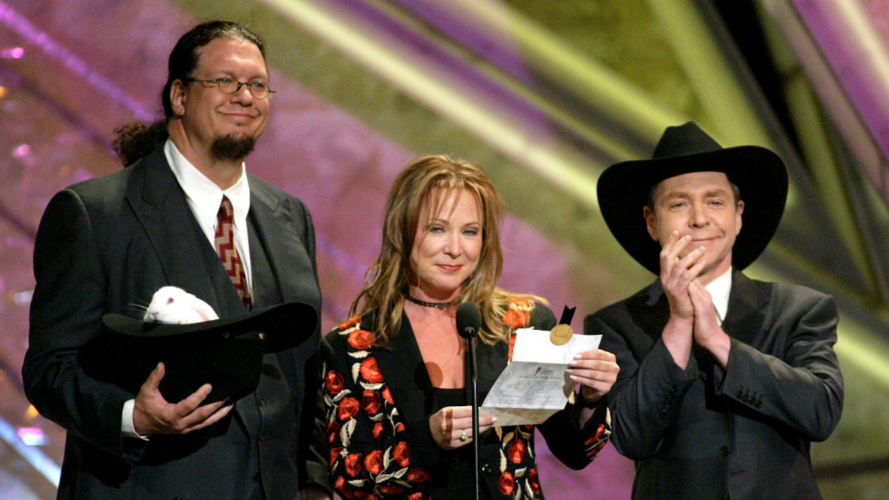 Penn & Teller | The American magician and entertainer duo were famous for their acts that included comedy with magic. Together, the duo have made $30.5 million, making them the second-most commercially successful magic act. (Image: Reuters)