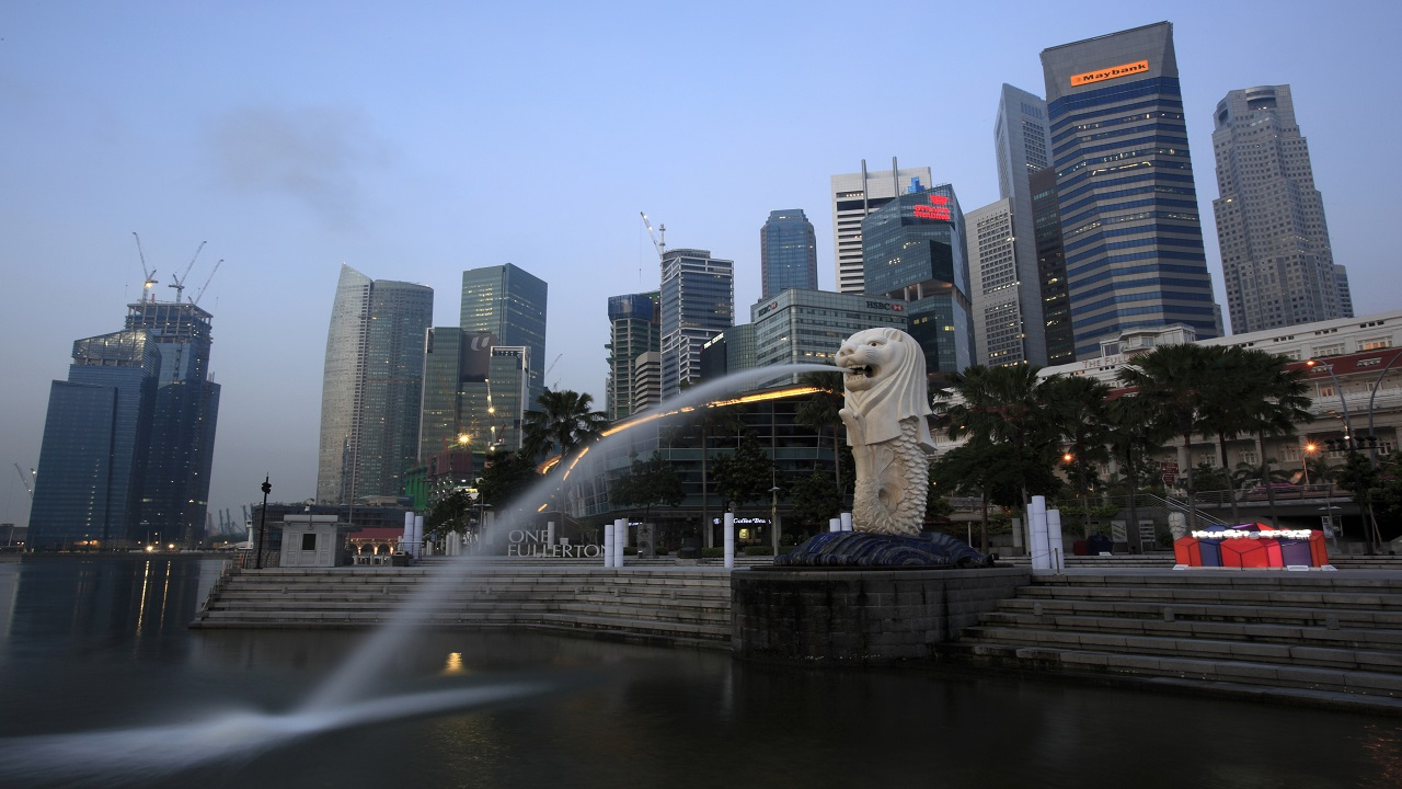 No 2: Singapore | The country's location makes it easy for businesses to have access to the international market. It also has one of the best tax systems in the world, flexible immigration policies, an overall pro-business attitude and the world's best professional workforce. (Image: Reuters)