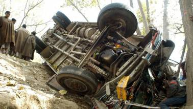 17 people killed, 20 injured when bus overturns in Uttar Pradesh