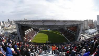FIFA World Cup 2018: Senegal, Japan fans clean stadium after match