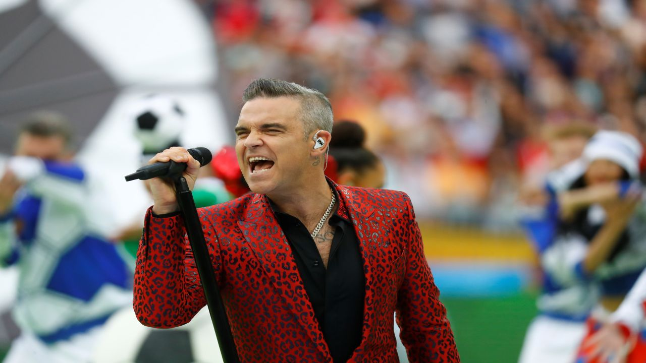 Robbie Williams goes all-out showing his love for the sport. (Image: Reuters)