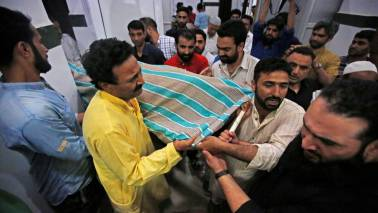 Pakistan condemns Indian journalist Shujaat Bukhari's killing