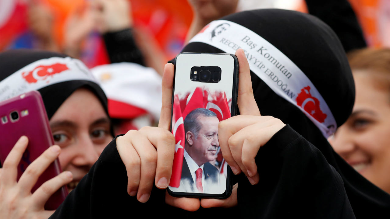 Supporters of Turkish President Tayyip Erdogan react during an election rally in Istanbul, Turkey. (Image: Reuters)
