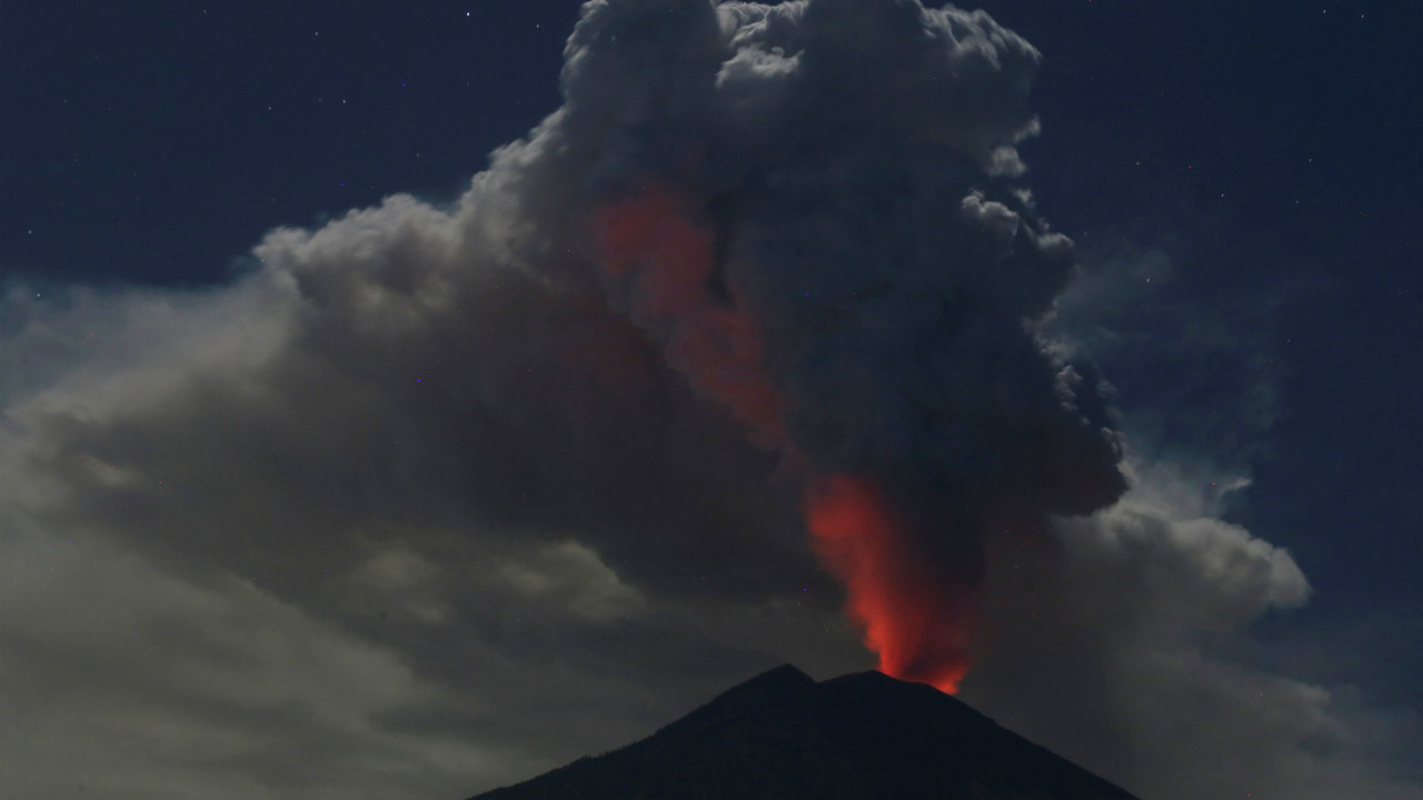 Mount Agung volcano erupts during the night, as seen from Datah village, Karangasem Regency in Bali, Indonesia. (Image: Reuters)
