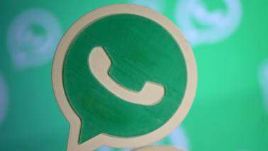 WhatsApp allows group admins to stop other members from texting