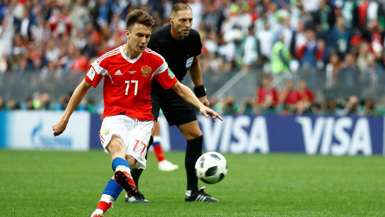 Aleksandr Golovin | The midfielder has notched up one goal and two assist from just two games so far in the tournament. Forced to hone his skills playing futsal, the talented midfielder seems extremely comfortable in tight spaces and uses his unique dribbling style to get past players and pick out his teammates with pinpoint passes.
