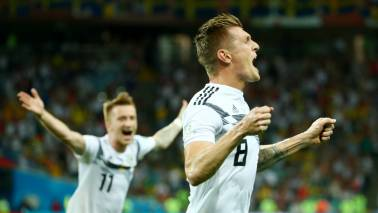 FIFA World Cup 2018: Kroos scores late winner for 10-man Germany