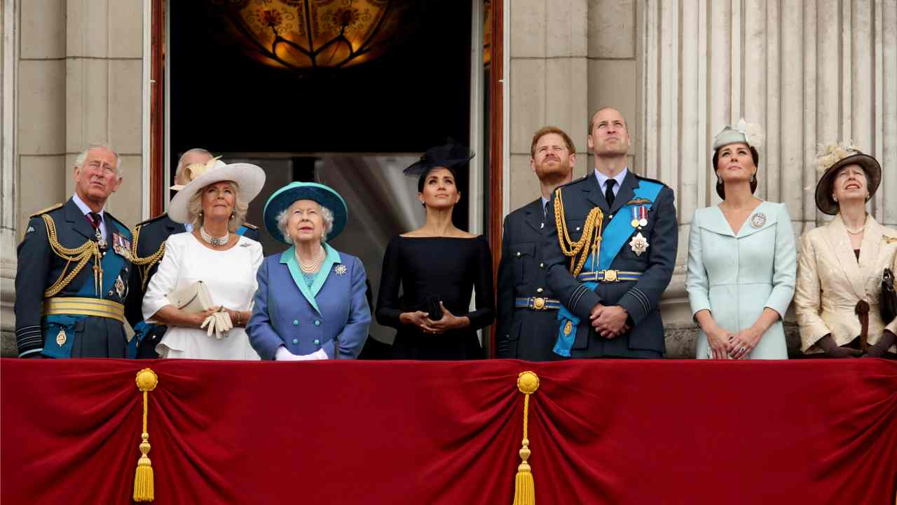 Britain's Prince Charles, Camilla, Duchess of Cornwall, Queen Elizabeth, Meghan, Duchess of Sussex, Prince Harry, Prince William, Catherine, Duchess of Cambridge and Princess Anne stand on the balcony of Buckingham Palace as they watch a fly past to mark the centenary of the Royal Air Force in central London, Britain. (Reuters)