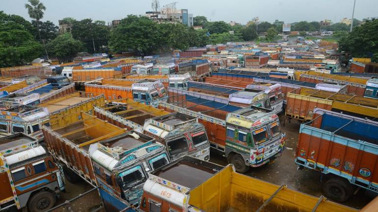 Bharat Bandh: Trains delayed, buses, autos off roads in Kerala