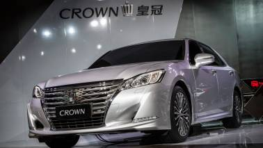 Toyota unveils 15th generation Crown, equipped with data communication module
