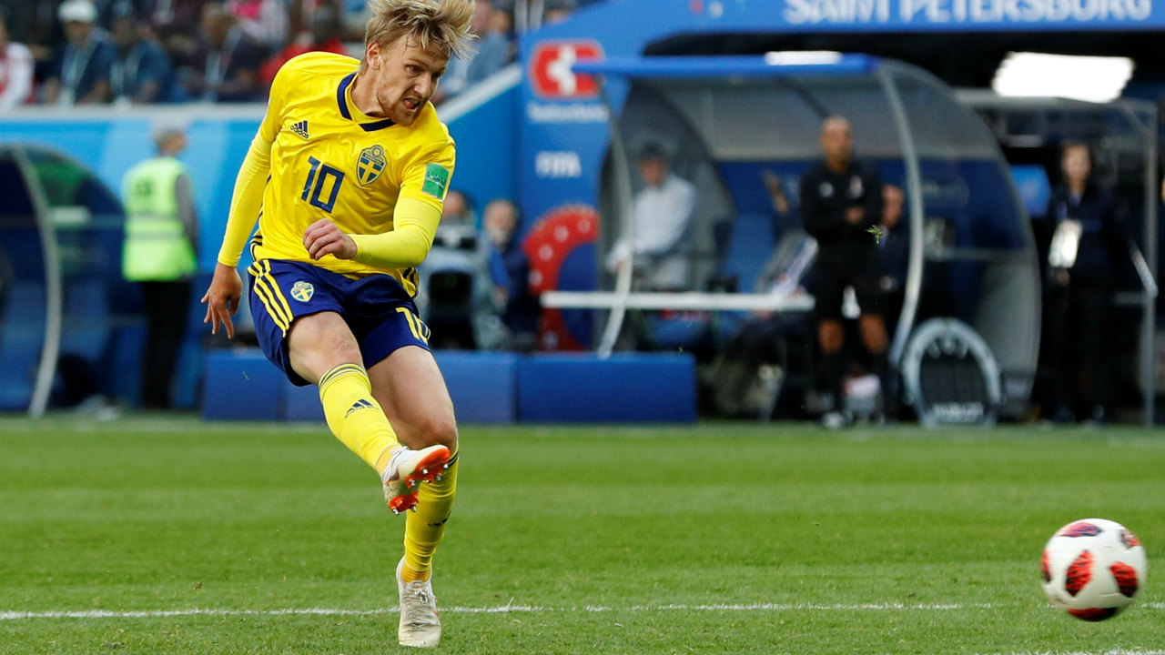 Emil Forsberg finally put the Swedes ahead in the 67th minute with his first World Cup goal. He cut across the Swiss defence and found an opening. His shot took a deflection from Akanji and fooled Yann Sommer before going into the net. (Image: Reuters)