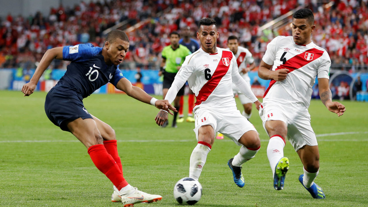 France 1-0 Peru, Group C | Despite the return of Giroud and Matuidi to the starting line-up, France continued to struggle. But a Kylian Mbappe tap-in from Giroud's deflected shot helped them qualify for the knockout stages. (Images: Reuters)