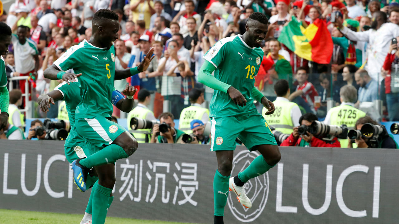 Niang and the Senegalese dance | Niang's winner against Poland, was his first goal for the Senegal team. The reason was enough to make the whole team break into dance. (Image: Reuters)