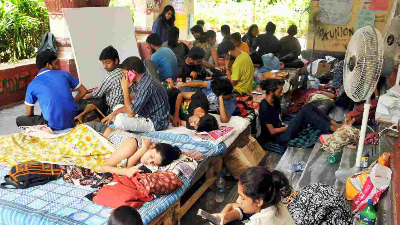 Students of Jadavpur University in an indefinite hunger strike on the second day, to protest against University's decision to scrap entrance test for six undergraduate courses in Humanities subjects in coming academic session, at Jadavpur University in Kolkata on Sunday. (PTI)