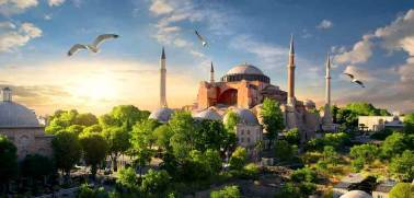 Visit Turkey to enjoy magnificent historical site