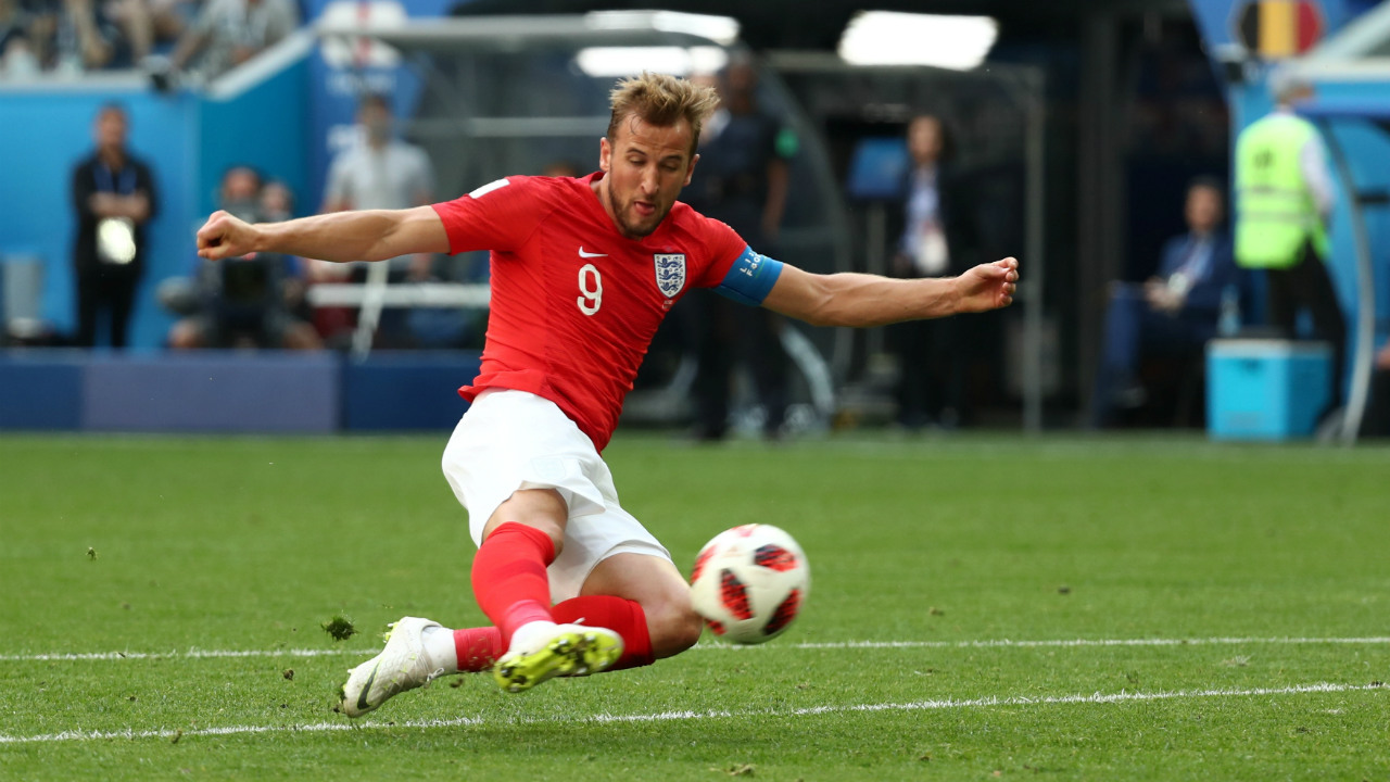 Chance! | The tournament's leading scorer had a golden opportunity to level the score when Sterling set him up at the edge of the area. Kane however lost his footing just as he was about to pull the trigger sending the ball well wide of the target. (Image – Reuters)