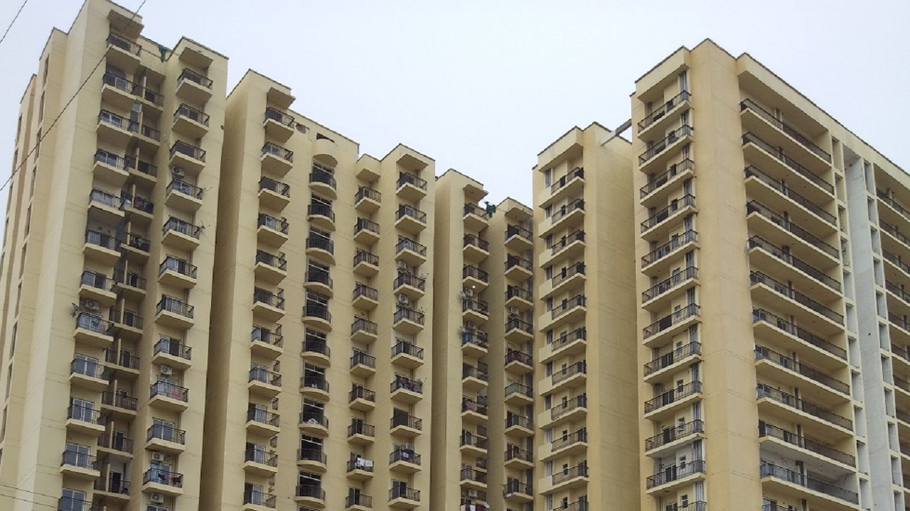Cheaper | Interest deduction has been raised to Rs 3.5 lakh for affordable housing as against Rs 2 lakh earlier. The increase deduction is applicable until March 31, 2020. (Image: Reuters)
