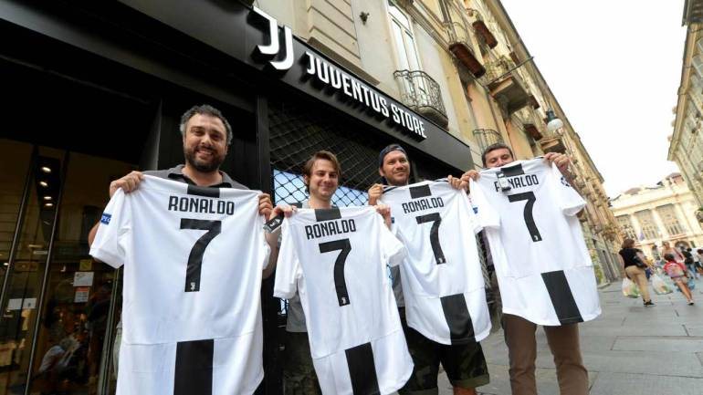 buy popular 45de3 0ae92 Juventus and Adidas earns Rs 420 crore by selling CR7 jerseys within 24  hours - that is over half of Ronaldo's transfer value!