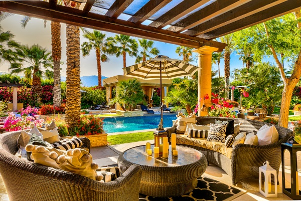 Mediterranean Desert Oasis, US: This sprawling resort is spread across 1.23 acres in The Renaissance at Clancy Lane, Rancho Mirage, California. Interestingly, this is an Airbnb and boasts of 360-degree mountain views, two formal living rooms, a formal dining room, a dining gazebo, spa, and three fire pits that surround a resort-size swimming pool. Lady Gaga stayed here in 2017 during Coachella. It can host easily up to 16 guests.