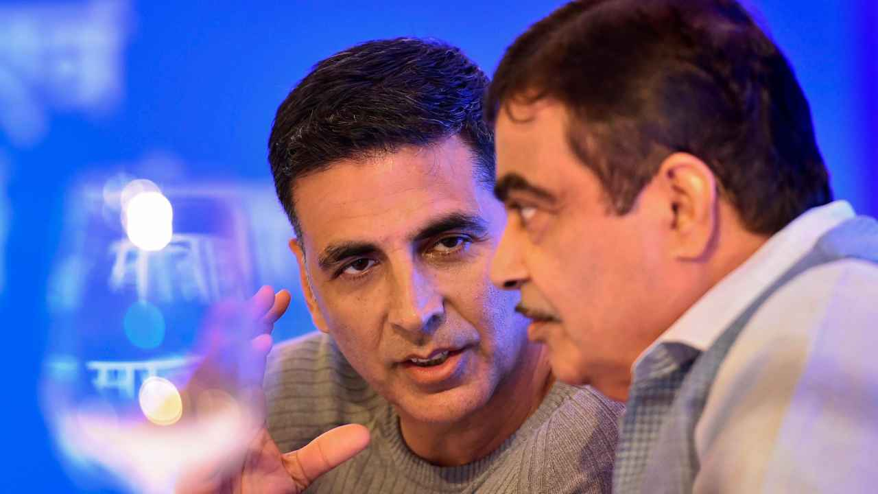 Nitin Gadkari, Minister of Road Transport & Highways, and Bollywood actor Akshay Kumar during the launch of road safety awareness videos, in New Delhi. (PTI)