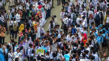 Bangladesh government mulls death penalty for fatal traffic accidents amidst protests