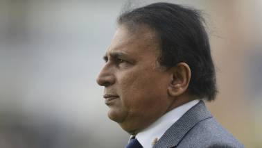 Sunil Gavaskar overlooks Rishabh Pant, backs Dinesh Karthik for World Cup 2019
