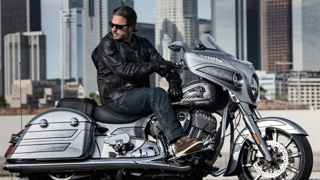 "The 2018 Indian Chieftain Elite dons an uber-cool colour scheme dubbed as ""Black Hills Silver with Marble Accents."" The unique colour scheme gets its name from the silver mines found in the Black Hills area of South Dakota. Each model reportedly takes up to 25 man hours to paint."