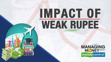 Managing Money with Moneycontrol | Rupee@70: How does currency depreciation impact your portfolio