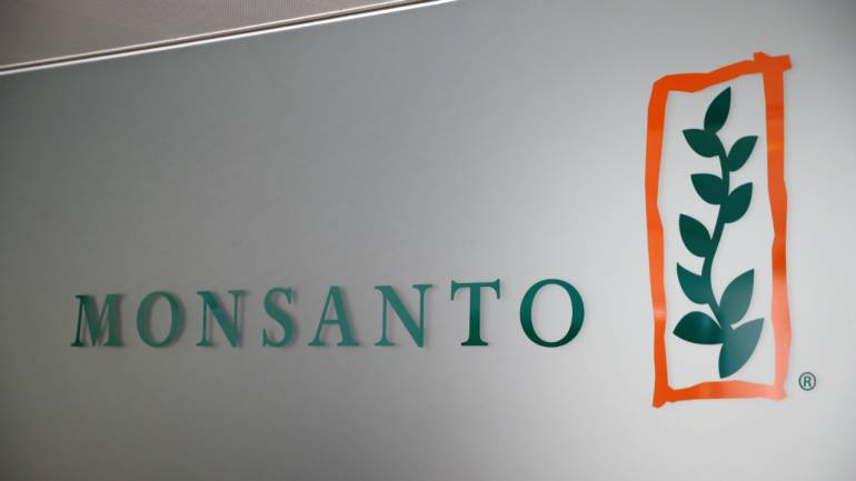 Weedkiller glyphosate 'doesn't cause cancer' - Bayer