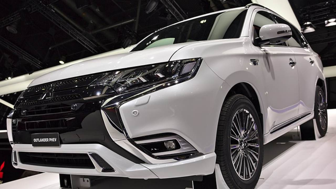 According to Uttam Bose, Managing Director of Mitsubishi India, the company is targeting sales of 250-300 units of the 2018 Outlander by FY19-end. Mitsubishi is also planning to launch the hybrid Outlander PHEV in India. (Image: Wikimedia Commons)