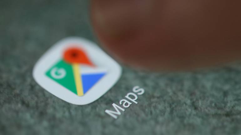 Google Maps update replaces flat surface with a 3D globe, Greenland on