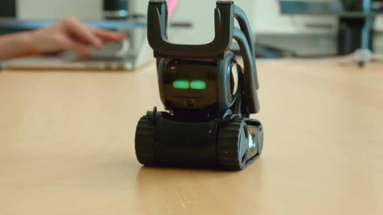 Anki's Vector, a robot that can fit into your palm, costs $249