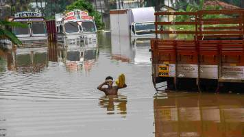 Insurers to hold meeting to decide claims settlement process for Kerala, Karnataka floods