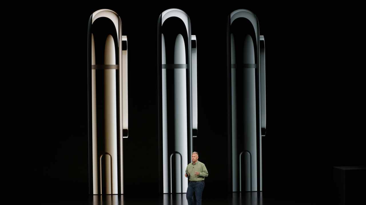 Apple iPhone XS and iPhone XS Max come in three storage variants – 64GB/256GB/512GB and three colour options. Apple iPhone XR comes in 64GB/128GB/256GB and six colours. (Image: Reuters)