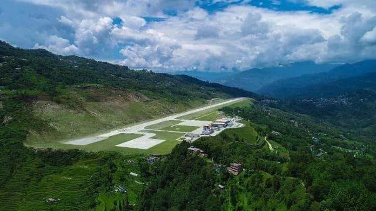 The runway is 1.75 km long and is 30 metres wide. It has a 116-metre taxiway connecting the runway to an apron measuring 106 metre by 76 metre. The apron can accommodate two ATR-72 aircraft. (Image: Airport Authority of India)
