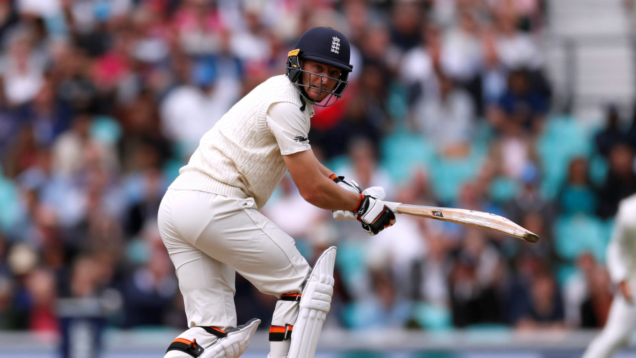Birthday boy Jos Buttler batted superbly in the first session along with Adil Rashid, Stuart Broad and later James Anderson. The right hand batsman even scored a fifty, completing his half-century in 84 balls. (Image: Reuters)