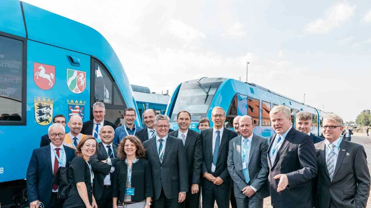 Two Coradia iLint engines produced by French rail transport company, Alstom will replace conventional diesel engines on the 100 km route that links German towns- Cuxhaven and Buxtehude. (Image: René Frampe/Alstom)
