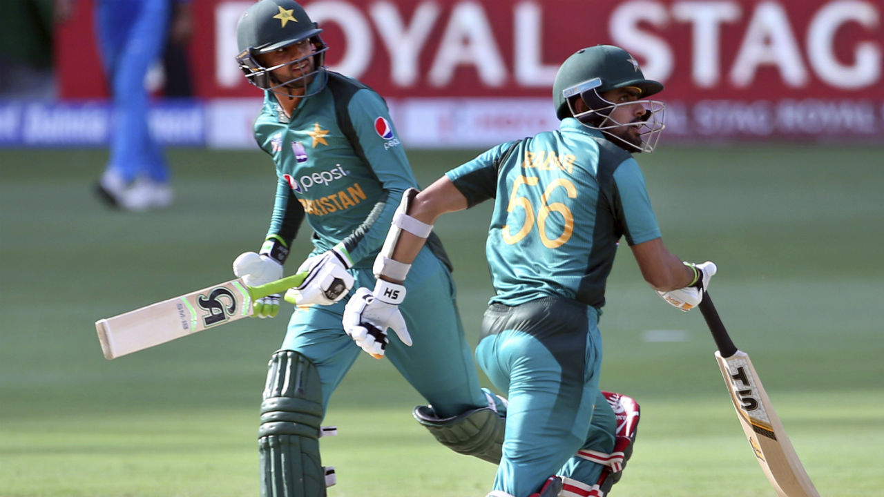 Early wickets meant Shoaib Malik and Babar Azam were in thick of things sooner than expected. The duo put up an 82-run stand to steady Pakistan's innings. (Image: AP)